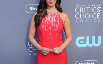 Olivia Munn reaches out to those struggling with mental heath: 'Try and hold on another day'