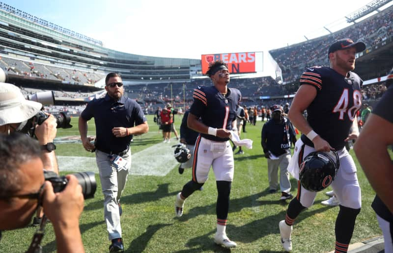 Justin Fields will make his 1st NFL start Sunday when the Bears play the Browns in Cleveland